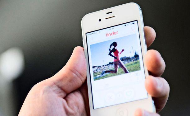 Seksuaaliterveyttänsä laiminlyövät Tinder-käyttäjät voivat vaarantaa myös muita sovelluksen ystäviä.