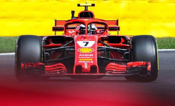Kimi Räikkönen tavoittelee paluuta palkintokorokkeelle viikonlopun kotikisassa.