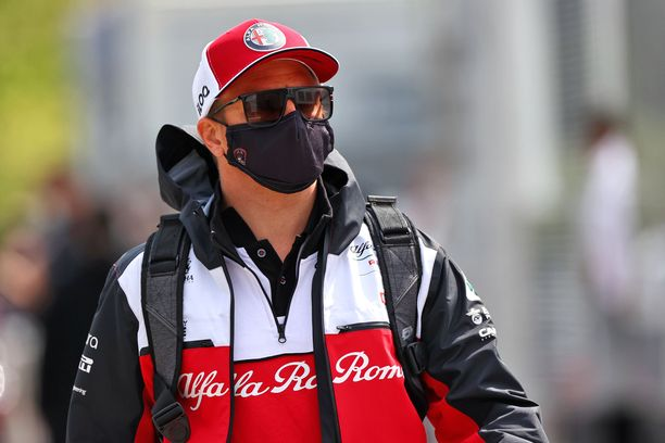 Tuomaristo vei Kimi Räikköseltä kaksi MM-pistettä.