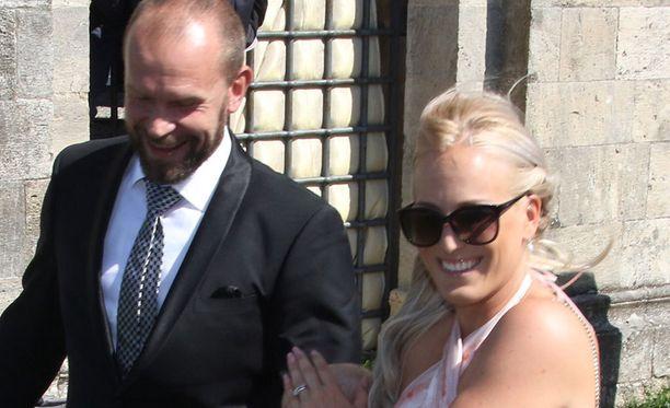 Jere ja Nanna Karalahti menivät kesällä 2015 naimisiin.