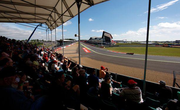 Silverstonen radalla on ajettu F1-kisa vuodesta 1950 asti.