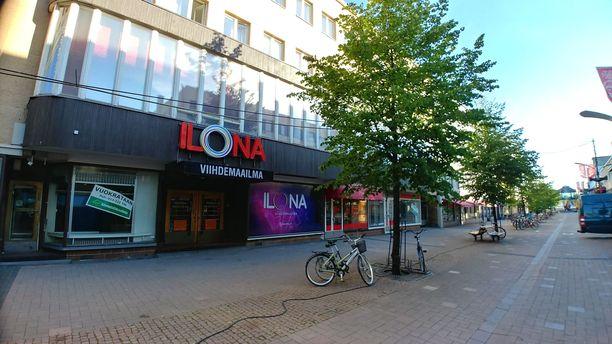 Joensuun Ilonassa tapahtui heinäkuussa puukotus, jossa loukkaantui vakavasti kolme henkilöä.