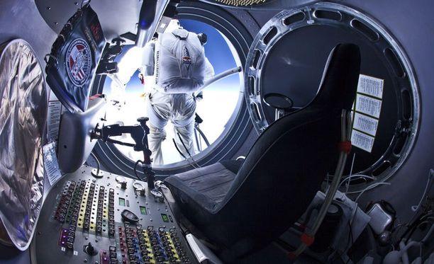 Baumgartnerin hyppy lähti stratosfääristä 30 kilometrin korkeudesta.