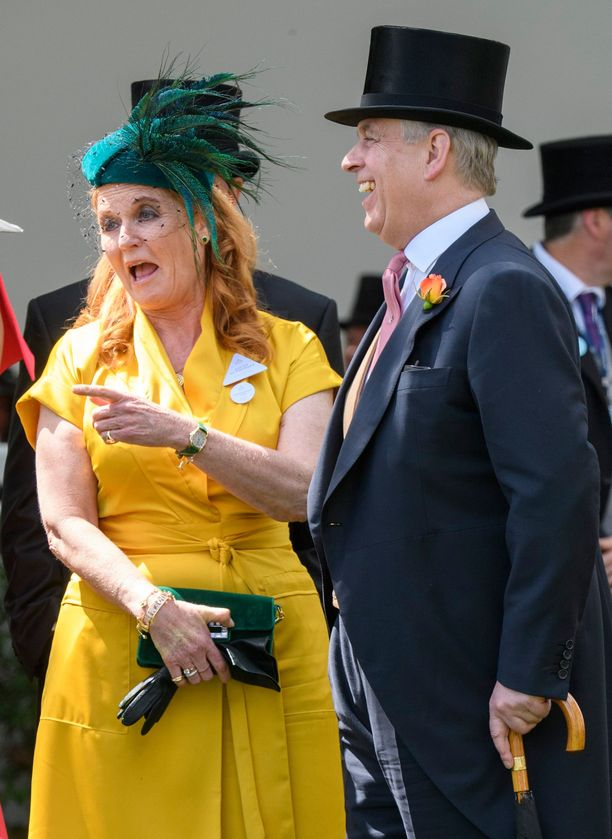 Huhtikuussa 2019 The Sun uutisoi prinssi Andrew'n ja herttuatar Sarahin välien lämmenneen. Ascotissa pariskunta nauroi monta kertaa yhdessä ääneen.