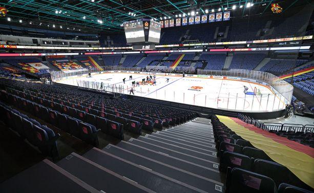 Helsingin Hartwall-areenalla pelataan seuraavat kuukaudet padelia.