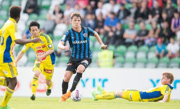Kaan Kairinen siirtyi Interistä Midtjyllandiin.