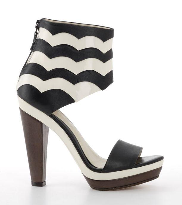 Julia Lundstenin suunnittelemat kengät tulevat todennäköisesti takaisin myyntiin, Marimekolta sanotaan.