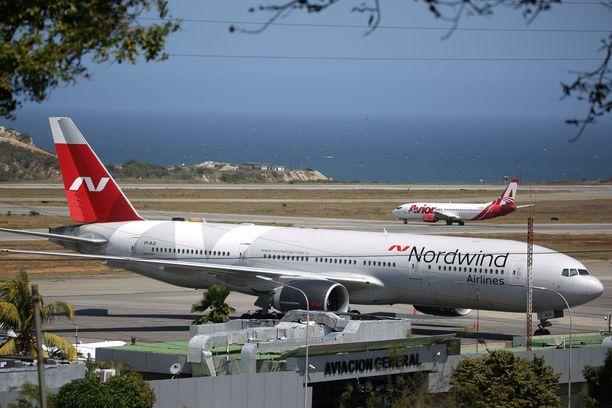 Venäläisen Nordwind-yhtiön kone saapui Caracasiin maanantaina illalla ja se on edelleen parkissa Simon Bolivar -kentällä