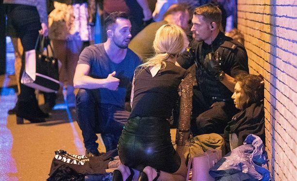 Manchesterin terrori-iskussa kuoli ainakin 22 ihmistä.