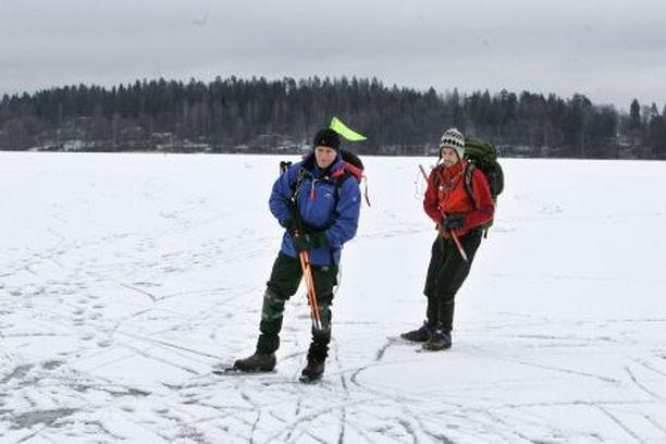 Suomen Retkiluistelijoilla on 50 koulutettua retkien vetäjää. Heihin kuuluvat Erkki Haapomaa (vas.) ja Matti Hirvonen.