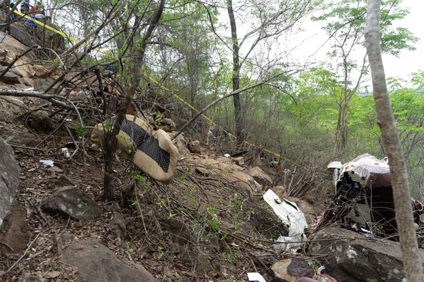 Neljä suomalaista kuoli lento-onnettomuudessa Zimbabwessa viime viikon perjantaina.