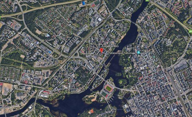 Tuiran kirkko sijaitsee Tuiran kaupunginosassa Oulussa.