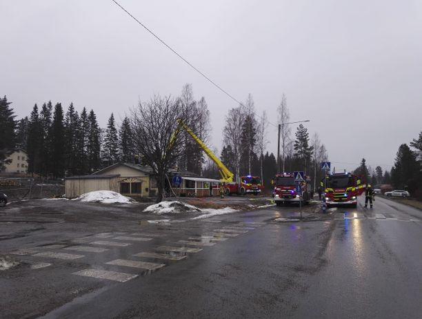 Pizzeriapalon sammutukseen osallistui ainakin kolme paloautoa.