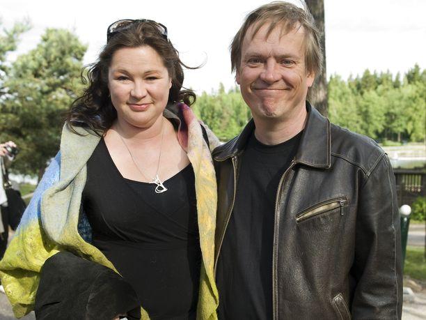 Kirsi-Kaisa Sinisalon ja Pantse Syrjän 22 vuoden pituinen avioliitto päättyi vuosi sitten.