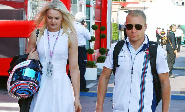 Pikkarainen ja Valtteri Bottas kulkevat mahdollisuuksien mukaan toistensa kisoissa kannustamassa. Kuva tämän vuoden Monacon GP:stä.