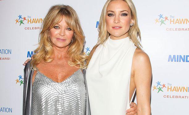 Goldie Hawn näyttelijätyttärensä Kate Hudsonin kanssa.