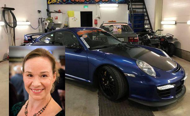 Rosa Meriläinen istahti Porschen etupellille.