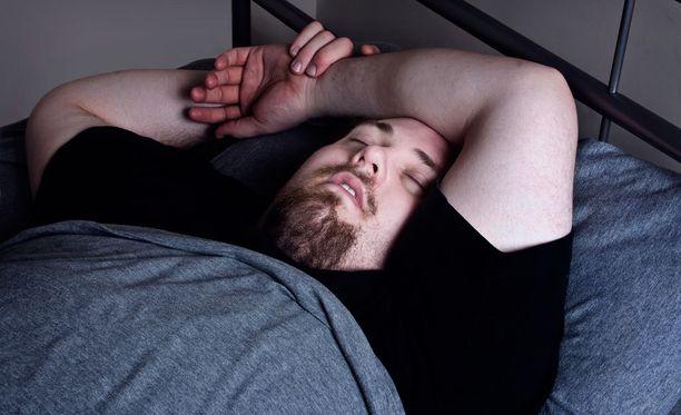 Ihminen voi äännellä unissaan pienestä muminasta aina huutoon asti.