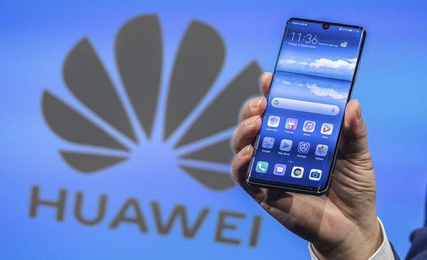 Lisenssin umpeutuminen voi vaikuttaa Huawein Android-puhelimiin.