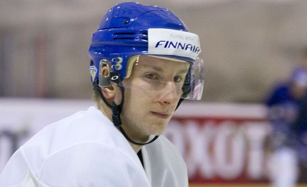 Juuso Hietanen laukoi Medvescak Zagrebin jäänrakoon.