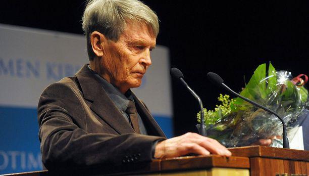 Antti Hyry palkittiin kirjallisuuden Finlandialla vuonna 2009.