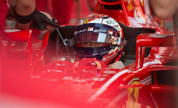 Kimi Räikkösen Ferrari oli nopea Barcelonassa - mutta näyttikö Mercedes oikeaa vauhtiaan?