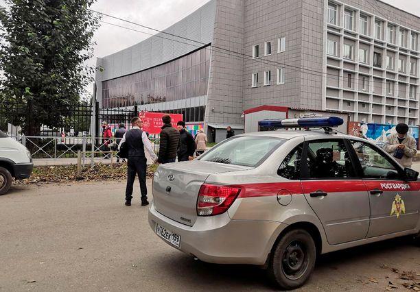 Poliisi oli paikalla Permin valtiollisella yliopistolla.