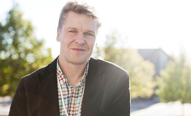 Toni Nieminen on nyt aluejohtaja.