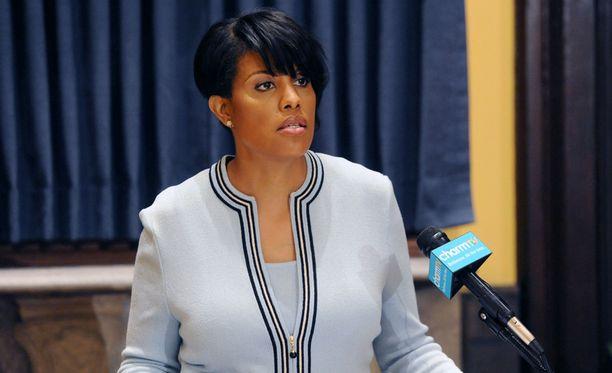 - Minä olen pormestari, joka ei lakaise ongelmia maton alle, Baltimoren pormestari Stephanie Rawlings-Blake julisti.