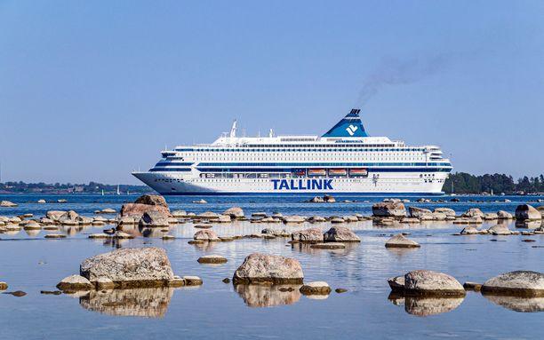 THL nosti maanantaina erikseen esille Silja Europan Tallinnan-risteilyn, joka tapahtui 30.6.–1.7. Risteilyllä ollut lieväoireinen henkilö oleskeli pidempiä aikoja laivan yleisissä tiloissa, ja muut matkustajat ovat saattaneet altistua taudille. Kuvituskuva.