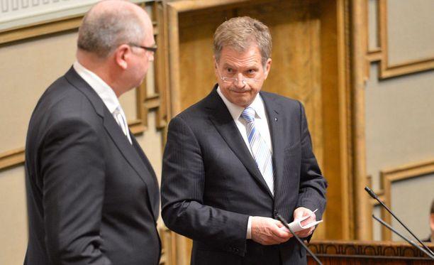 Presidentti Sauli Niinistö puhui valtiopäivien avajaisissa. Vierellä eduskunnan puhemies Eero Heinäluoma.