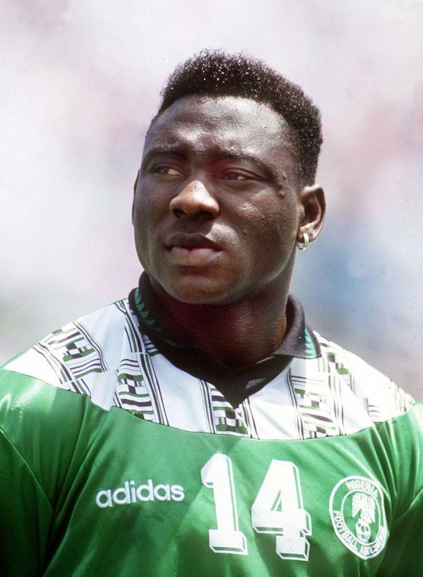 Nigerian tuore MM-paita on herättänyt ihastelua ja tehnyt kovaa myyntitulosta. Raikas luomus on kunnianosoitus Nigerian ensimmäiselle MM-lopputurnausjoukkueelle ja vuoden 1994 paidoille, joskaan ei ollenkaan yksi yhteen kuten monet muut näiden kisojen retroilut.