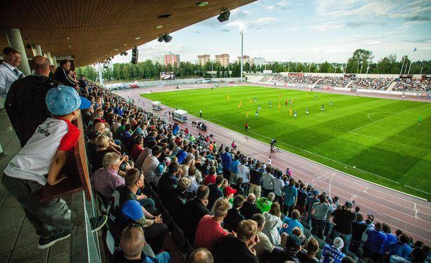 AC Oulun ja OPS:n välinen derby oli tilanteessa 0-0, kun ottelu keskeytettiin. Arkistokuva Raatin stadionilta.