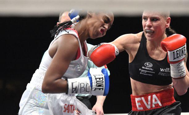 Ev Wahlström voitti MM-ottelun Dahiana Santanaa vastaan.