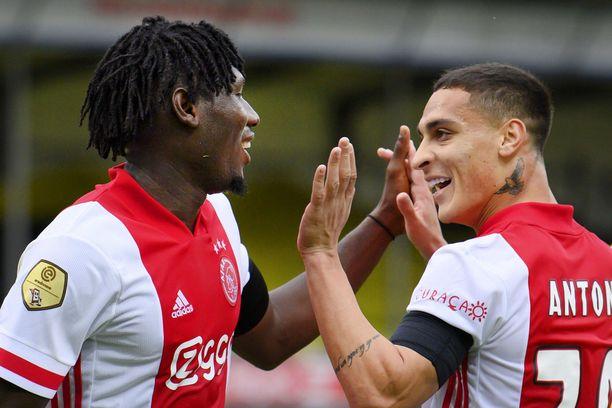 Ajax takoi 13 maalia Hollannin pääsarjassa.