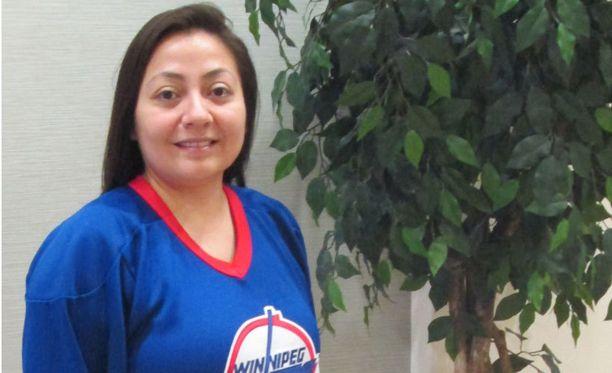 Melissa Soldier oli tietysti pukeutunut Teemu Selänteen Winnipeg Jetsissä käyttämään pelipaitaan, jossa oli selässä numero 13.