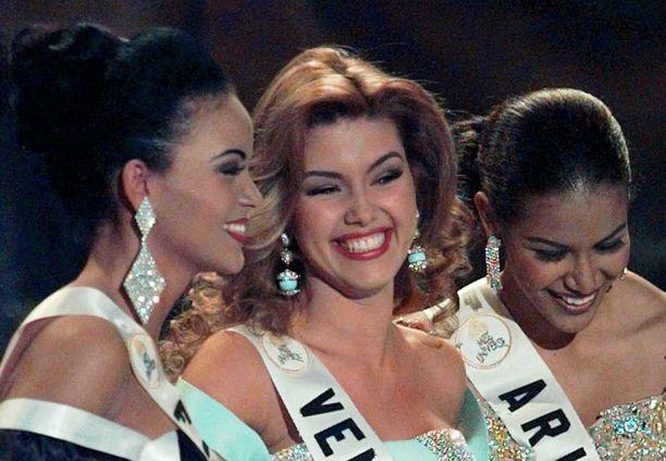 Lola Odusogasta tuli yksi kaikkien aikojen menestyneimmistä misseistämme. Hän ylsi Las Vegasin Miss Universum -kilpailussa toiseksi perintöprinsessaksi.