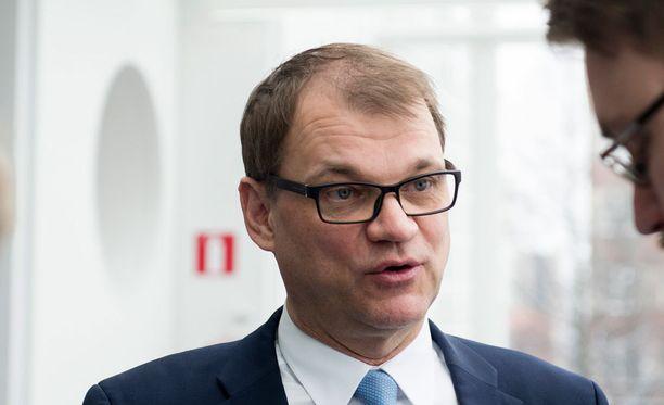 Luottamus Juha Sipilään ja puolueen tekemiseen rapautuu pikku hiljaa.