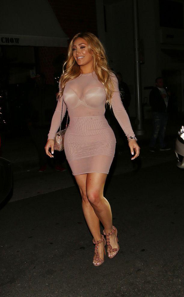 Nikki Mudarris muistuttaa vartaloltaan Kim Kardashiania.
