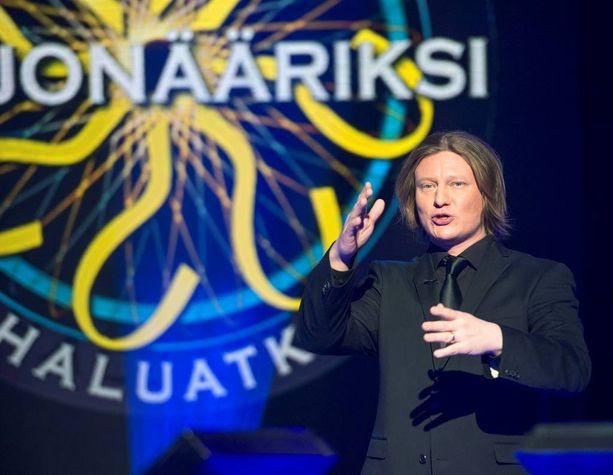 Salmisen mukaan Jaajo Linnonmaa sopii ohjelman juontajaksi erittäin hyvin.