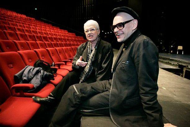 Ohjaaja Leena Salosen ja koreografi Jorma Uotisen kolmas yhteinen ooppera Orfeus ja Eurydike on ensi-illassa 8. toukokuuta.