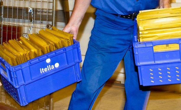 Sähköisen saapumisilmoituksen tulostamalla voi paketin käydä hakemassa noutopisteestä.
