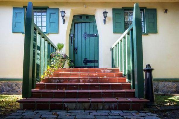 Huvilan nimi Villa Anna on otettu käyttöön vasta nykyisen omistajan aikana joskin nimellä on pitkät perinteet.