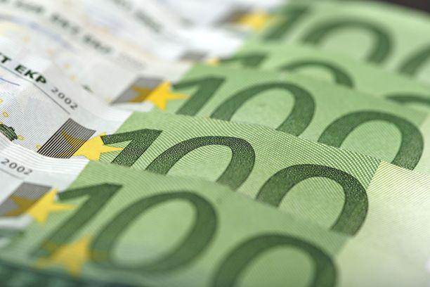 Savolaismiehen syytetään kätkeneen yli 700 000 euroa rahaa muun muassa kahvipaketteihin.