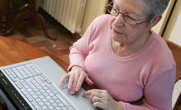 Iäkkäämmät ihmiset ovat löytäneet sosiaalisen median.