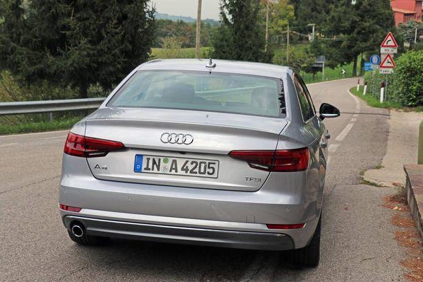 Uusi Audi on edeltäjäänsä kookkaampi, mutta muotoilu on pidetty hillitysti entisenlaisena.