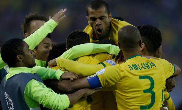 Brasilia juhlii Thiago Silvan osumaa.