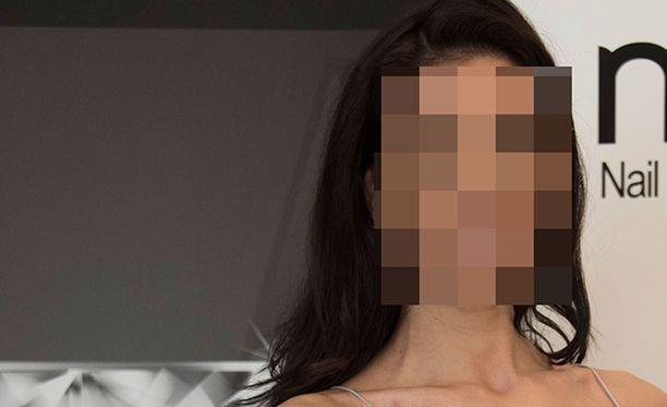 Suomen ja Filippiinien kansalainen, 27-vuotias nainen pidätettiin perjantaina kesäkuun 9. päivä Filippiineillä.