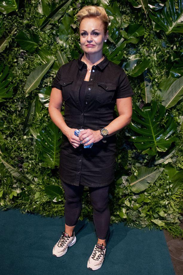 Entinen keihäänheittäjä Taina Ojaniemi (o.s. Uppa) kertoo, että muut Selviytyjät-kilpailijat pitivät häntä uhkana urheilutaustan takia.
