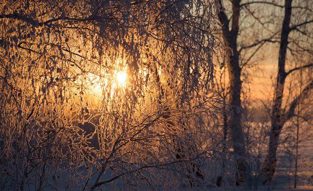 Aurinkoa voi nähdä jälleen myös Helsingissä. Kuvituskuva.